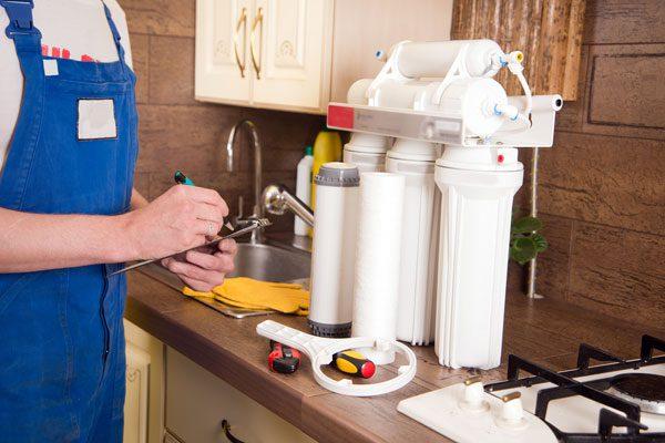 نگهداري وسرويس دستگاههاي تصفیه آب خانگي